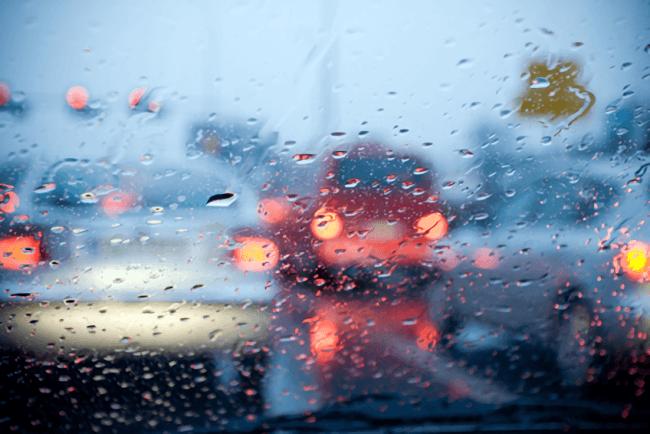 車,フロントガラス,曇り