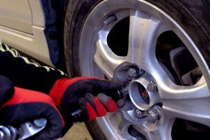 車,タイヤ交換